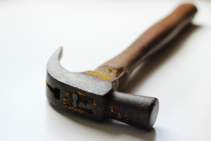 hammer-451987_1280