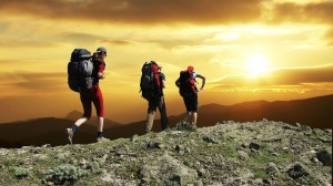 hikers-1147796_1280
